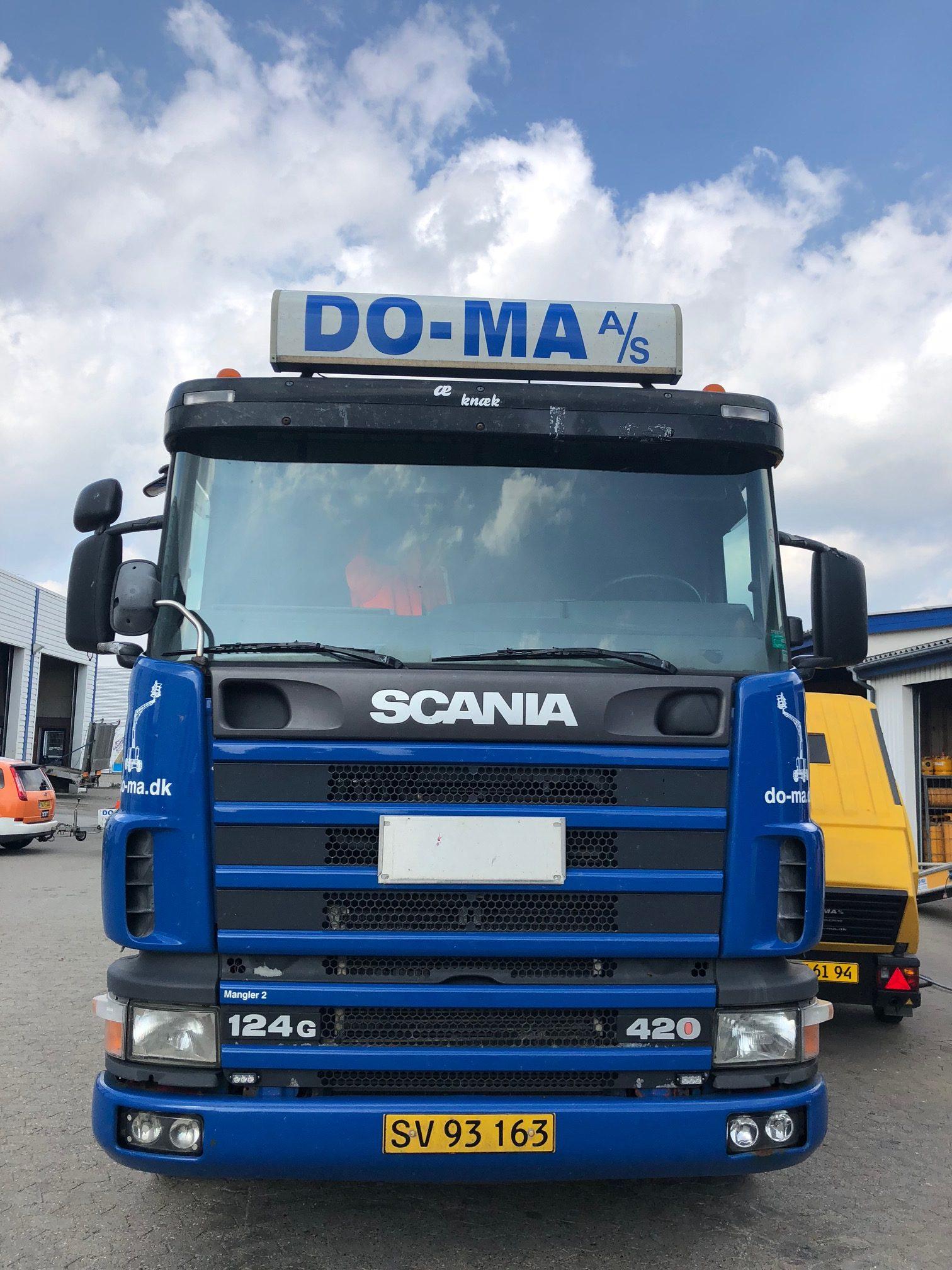 Brugt Scania R124 8x2/6 knæklad | Do-Ma A/S